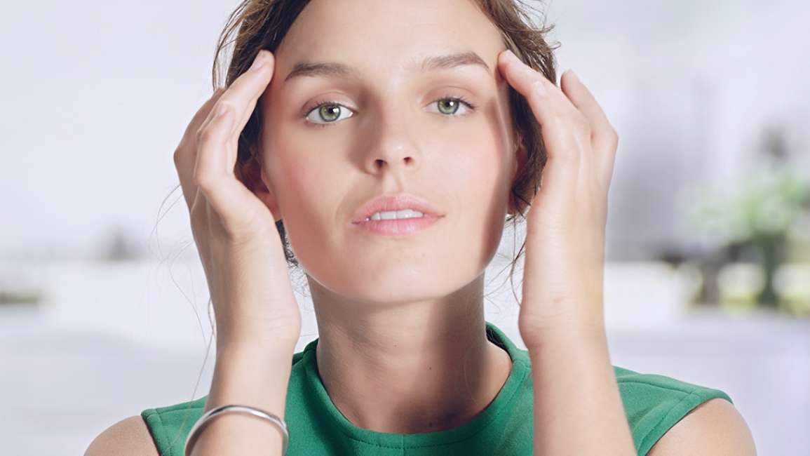 1082648-simple-7-savvy-skincare-tips-to-try-today-glitter-green-
